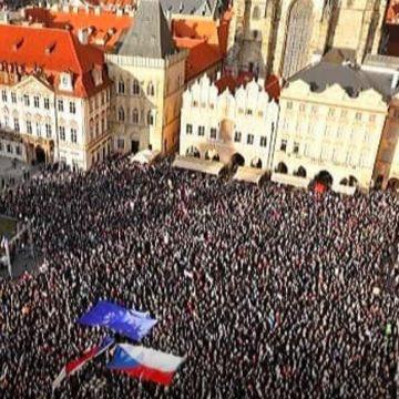 Langšádlová/Rakušan: O profesionálech vdezinformačních kampaních